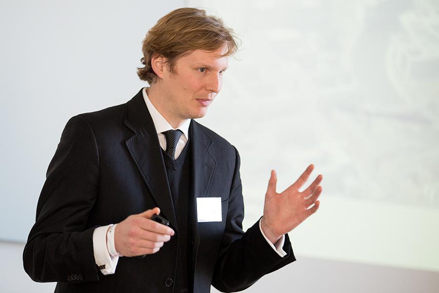 """Sebastian Frevel: """"Die Beraterbranche bietet ein wenig innovationsfreundliches Umfeld."""" Foto: Laurin Schmid"""