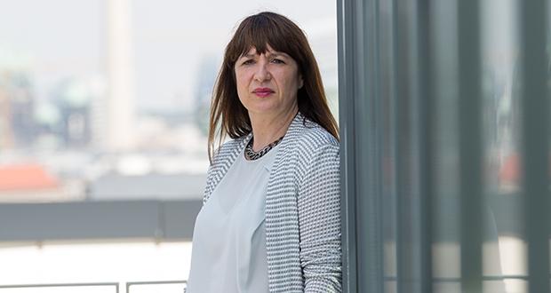 Liane Buchholz, geboren 1965 in Eisenach, hat sich die Marktwirtschaft selbst beigebracht. Heute ist sie die mächtigste Frau in der deutschen Bankenlobby. Foto: Laurin Schmid