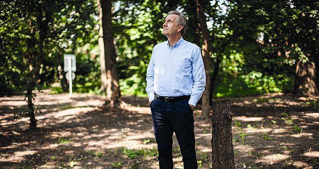 Christian Wulff war Bundespräsident von 2010 bis 2012. Davor war der CDU-Politiker von 2003 bis 2010 niedersächsischer Ministerpräsident. Heute wohnt er in seinem Haus im Hannoveraner Vorort Großburgwedel. Dort teilt er sich das Sorgerecht für die beiden Söhne mit seiner Frau Bettina, von der er getrennt lebt. (c) Sonja Och